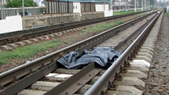 Девушке поездом отрубило голову