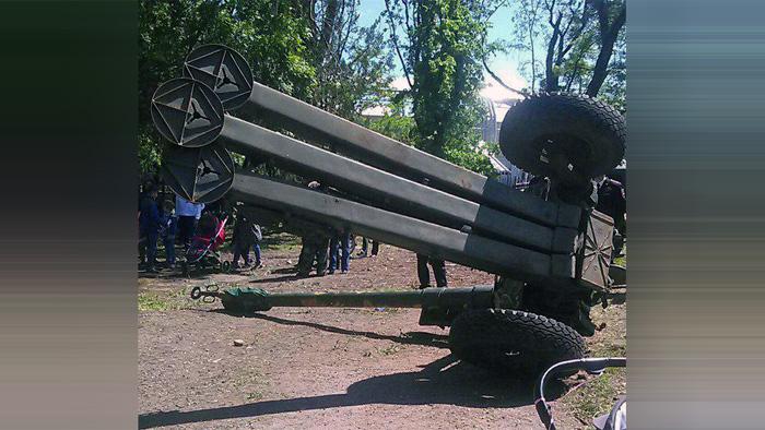 ВМайкопе вДень Победы 3-тонная гаубица упала на созерцателей